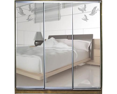 Шкаф-купе  Класик 3-х дверный зеркало с рисунком пескоструй на 2 двери