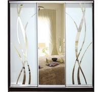 Шкаф-купе  Стандарт 3-х дверный Зеркало с рисунком пескоструй на 2 двери
